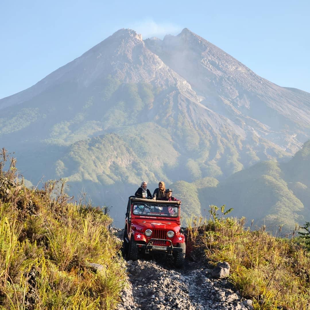 jeep lava tour jogja,explore gunung merapi jogja